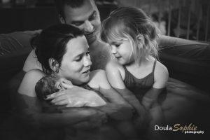 Sibling-watergeboorte-thuisbevalling