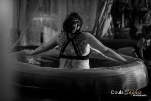 Thuisbevalling-watergeboorte-vroedvrouw