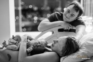 Hospital-VBAC-with-doula-photographer